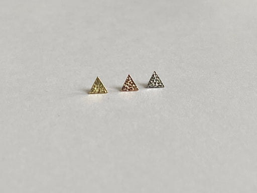 Anatometal 18k Gold Hammered Triangle Threadless Ends