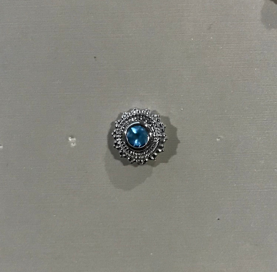 Threaded Round Afghan 8mm-3mm Bezel In Center Blue Topaz