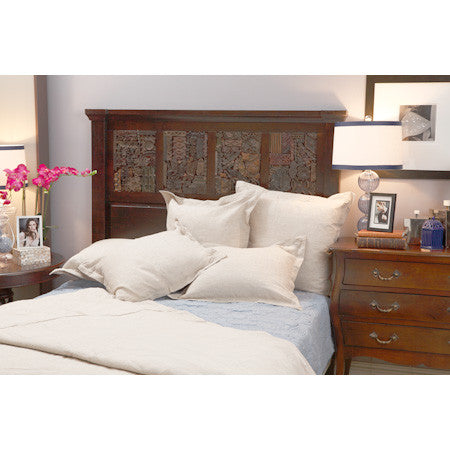 Bedding collection of duvet, standard and euro shams