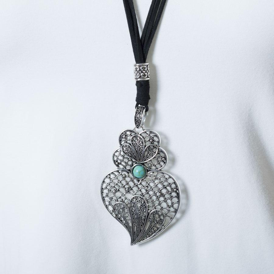 Necklace  Black/Heart Plume - Blue Sky Clothing Co