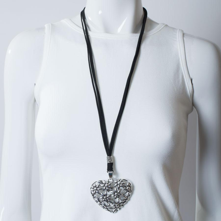 Necklace  Black/Silver Flowers