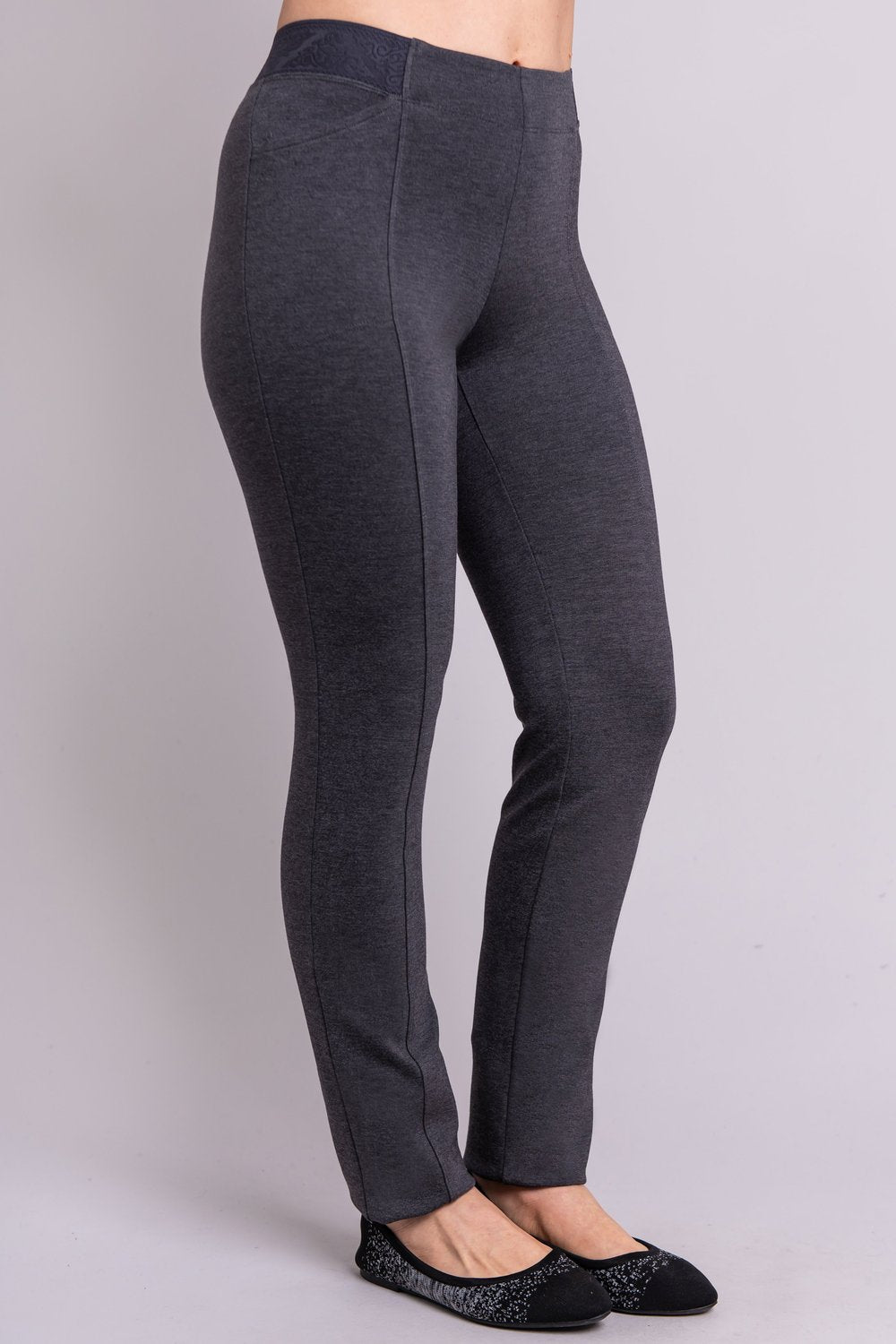 Women's petite grey tailored pant, with slim and narrow leg. Made of sustainable and natural bamboo fibers, fair-trade.