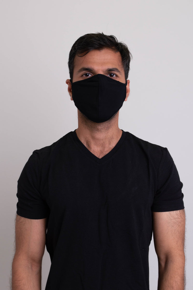 Unisex black comfortable face mask made with natural bamboo fibers.