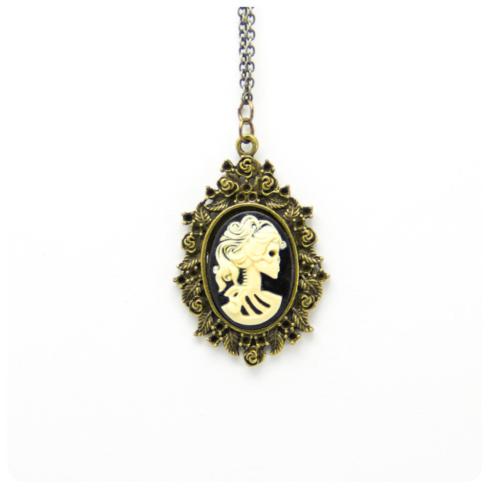 Cameo Necklace - Skull