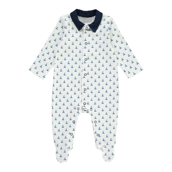 Boys footed babygro with a sailboat print, navy collar and navy ring snaps. Front and inner leg opening for easy changing. Coordinating items available. babygrow, sleepsuit, newborn sleepsuit, baby sleepsuit, toddler sleepsuit, one-piece footie, baby footie, one-piece footed sleeper for babies, footed onesie