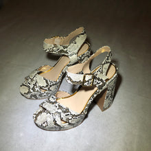 Load image into Gallery viewer, SNAKE SKIN PUMPS