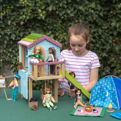 Lottie Doll Treehouse and Dolls