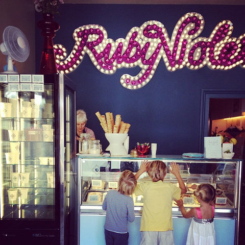 Local Ice Cream recommendations for traveling with children in London via the Babyccino Kids blog