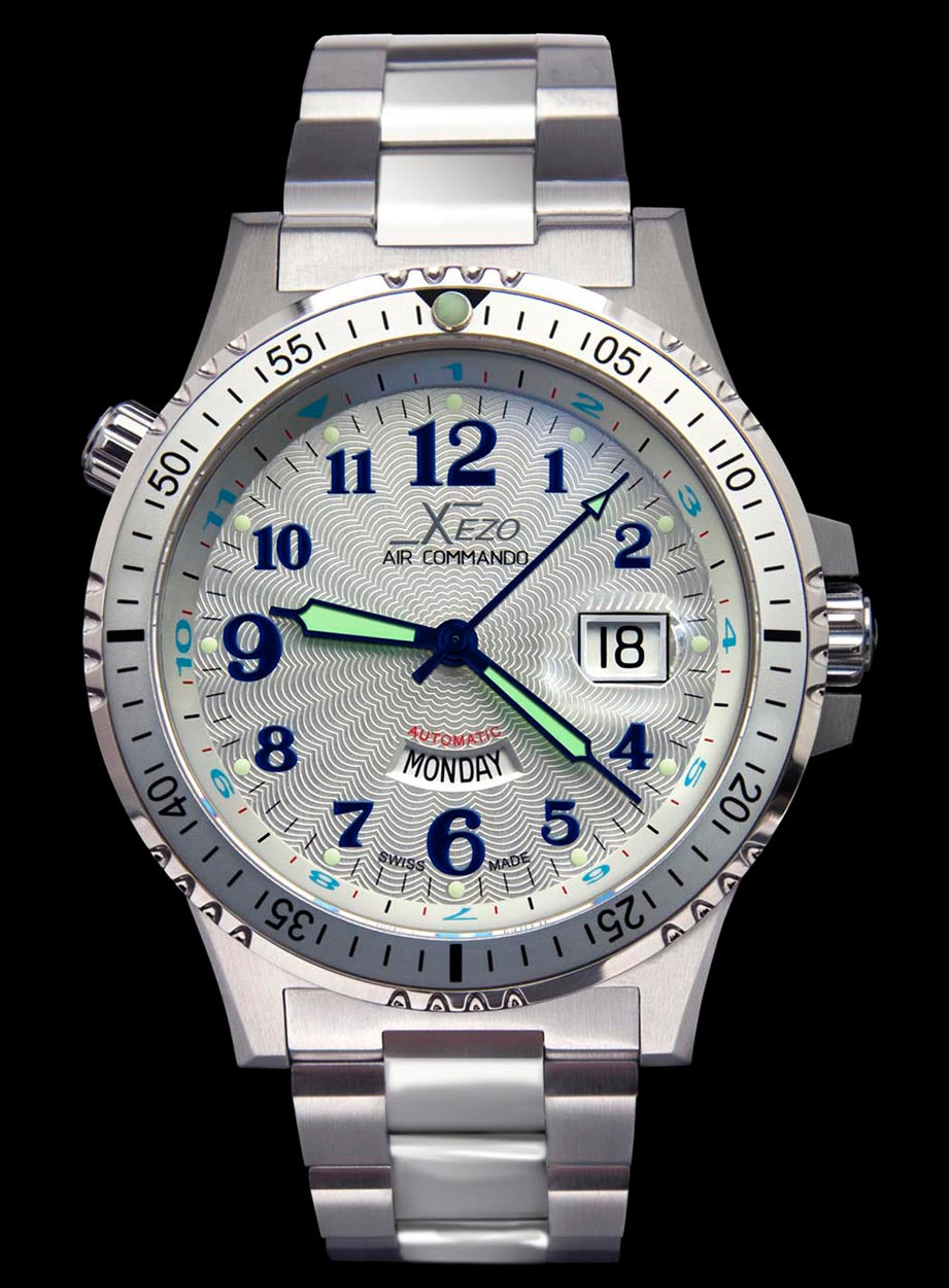 Air Commando D44 S (Silver Guilloché dial)