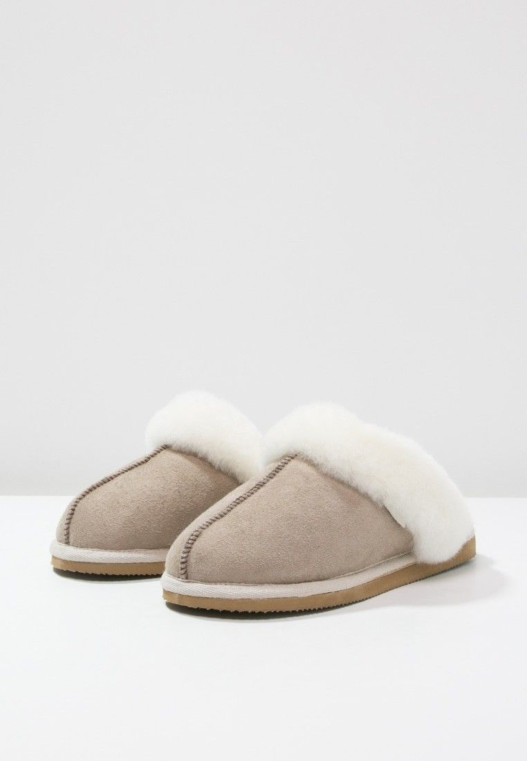 Shepherd of Sweden Jessica Slipper