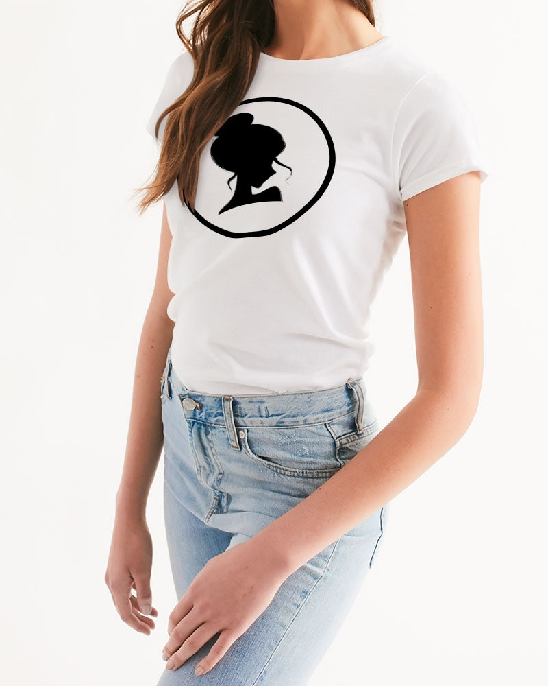 DOLLY CIRCLE Women's Tee