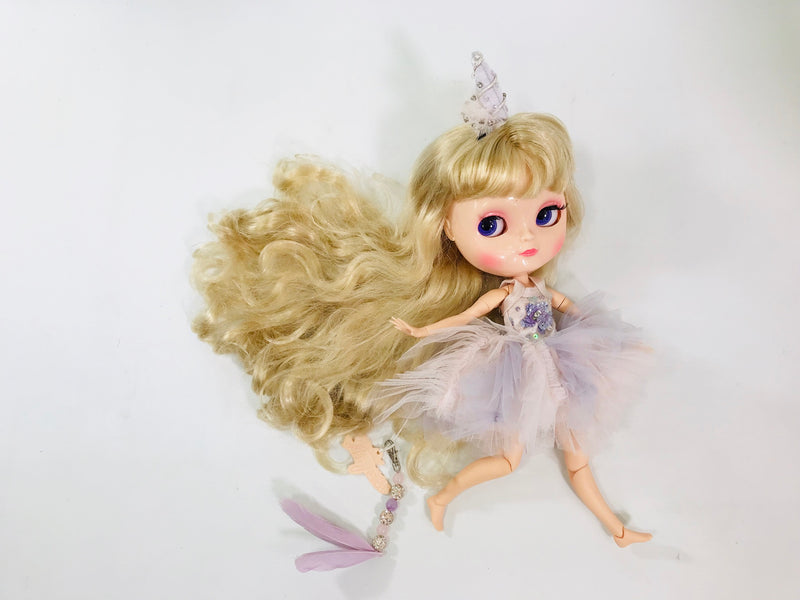 [ PRE ORDER *] ANGELA Doll PULL CHARMS UNICORN WITH FEATHER