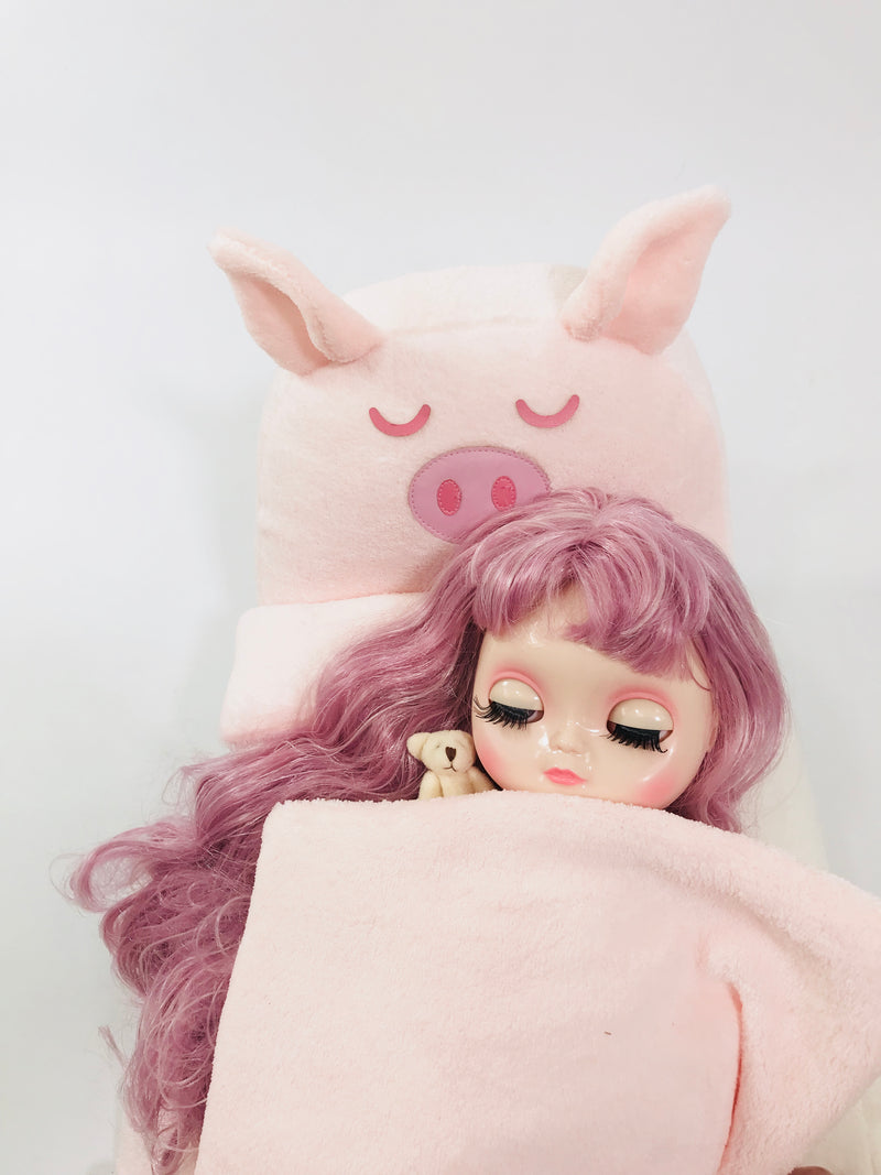 ANGELA Doll PLUSH PIGGY BED WITH BLANKET