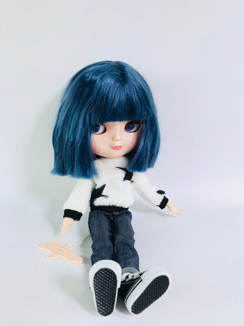 ANGELA Doll VOGUE STAR PLUSH SWEATER WITH DENIM JEANS
