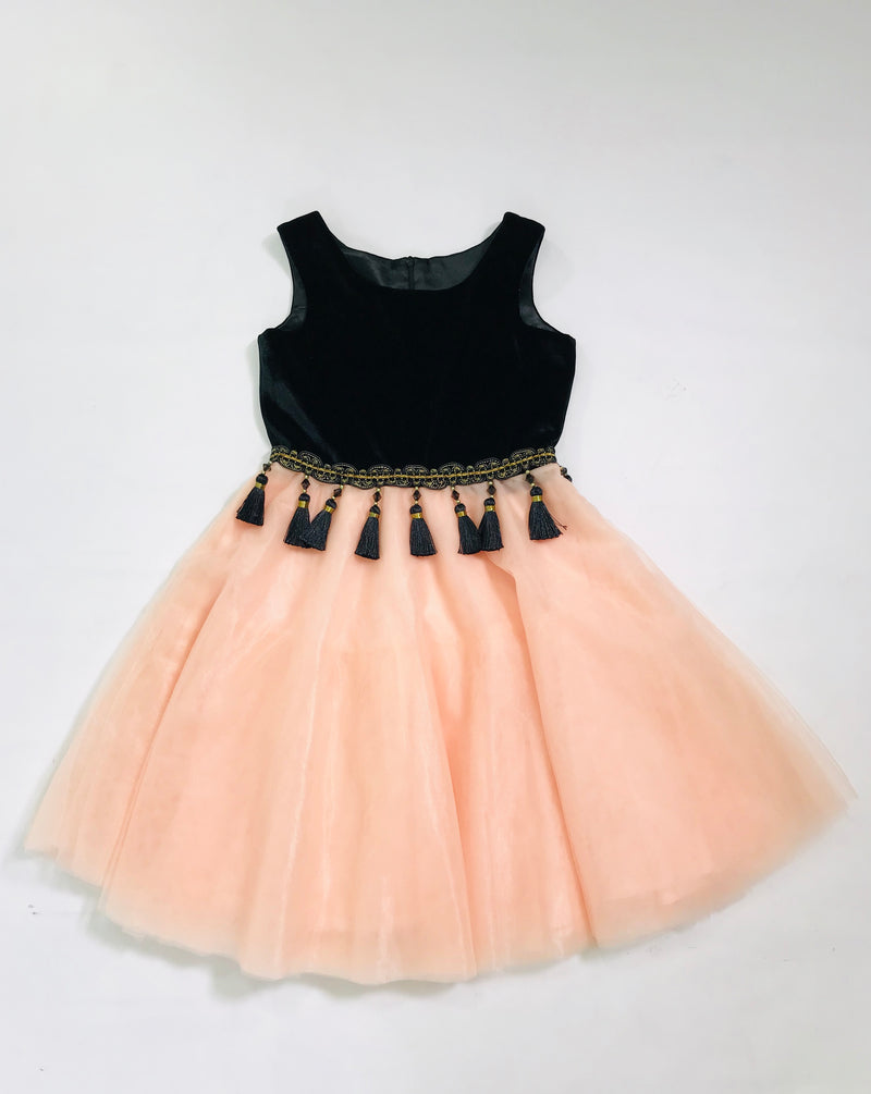 [OUTLET!] DOLLY by Le Petit Tom ® VELVET TASSEL WAIST DRESS black/ pink