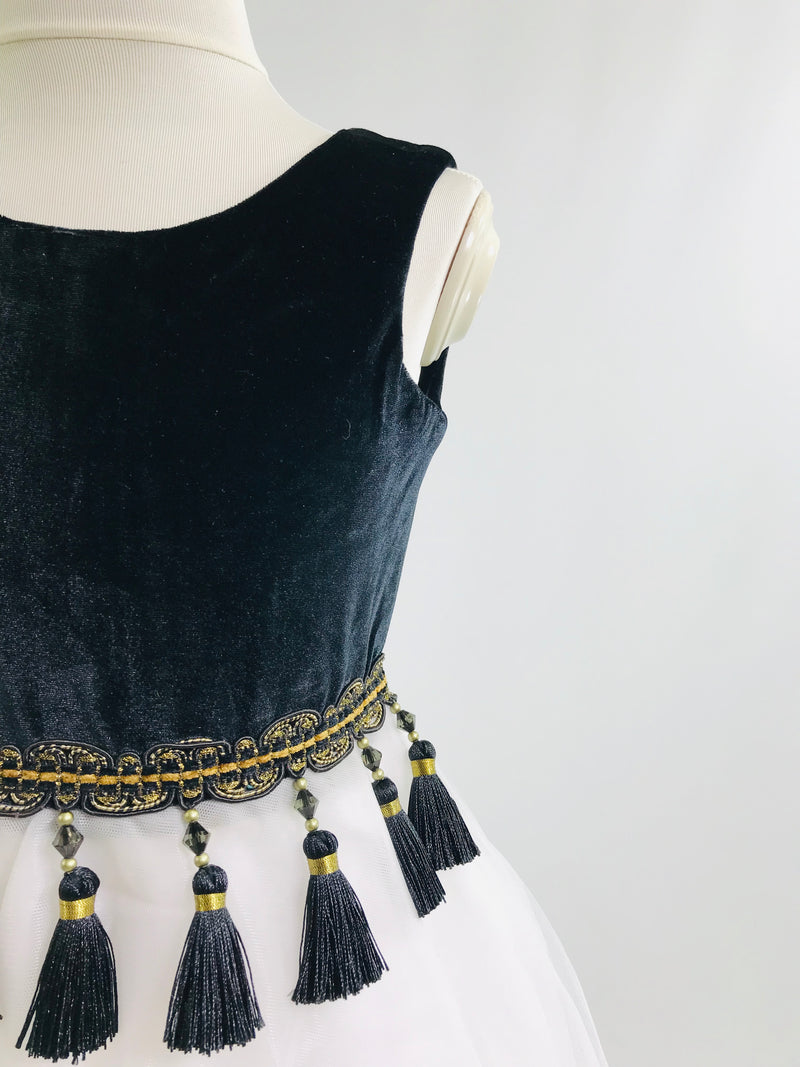 [OUTLET!] DOLLY by Le Petit Tom ® VELVET TASSEL WAIST DRESS black/ white