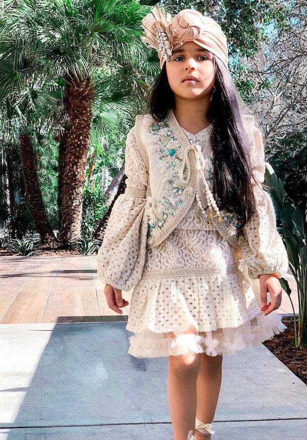 [ OUTLET!] DOLLY by Le Petit Tom ® BOHO lace top dress ecru with broach
