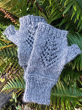 Load image into Gallery viewer, Lace Tree Wrist Warmer Kit