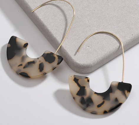 Slim Shell Drop Earrings