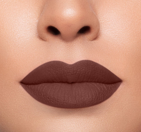 MEGA MATTE LIPSTICK - GOOSEBUMPS ON MODEL