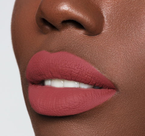 LIP CRAYON - FOMO ON MODEL