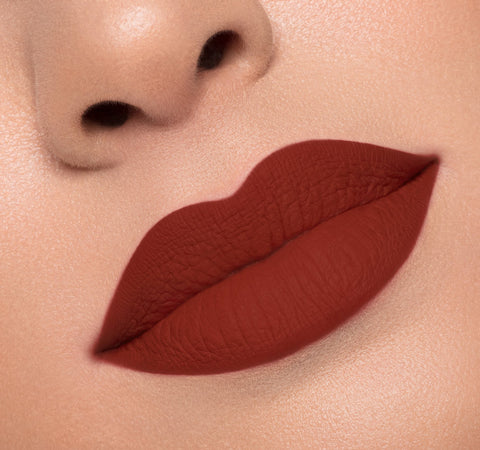 MATTE LIQUID LIPSTICK - NIBBLE ON MODEL