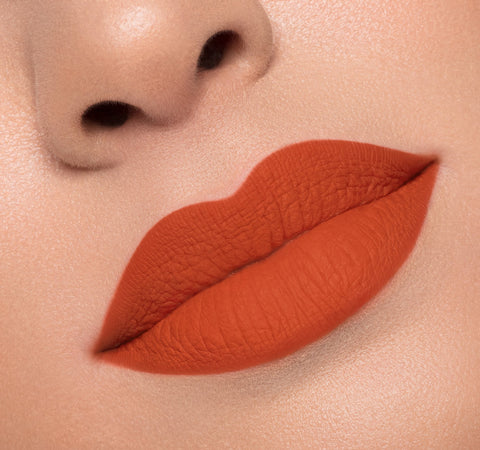 MATTE LIQUID LIPSTICK - SPICY ON MODEL