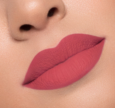 MATTE LIQUID LIPSTICK - SUSPECT ON MODEL