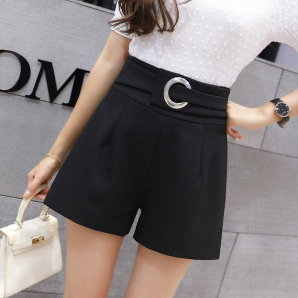 Chiffon shorts with belt