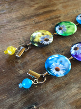 Load image into Gallery viewer, Happy Daisy Button Bracelet