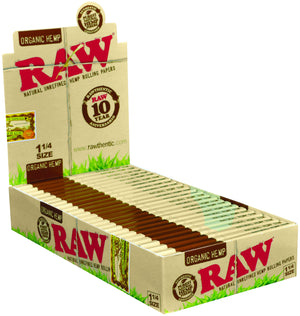 RAW ORGANIC ROLLING PAPERS 1 1/4 PACK OF 24