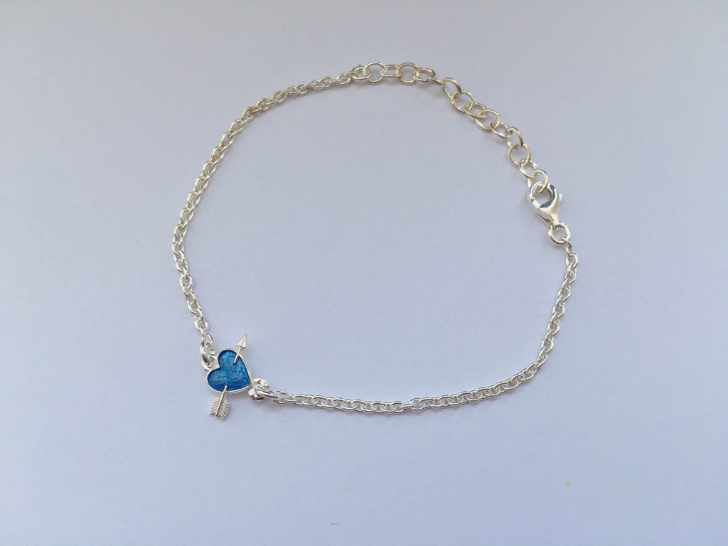 Mini heart with arrow bracelet