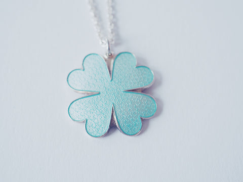 CLOVER KLØVER Necklace by Camilla Prytz mint green