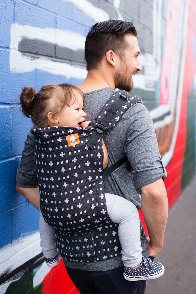 Dad won't mind toting his precious little around in this modern print and comfy fitting Tula in Jet | Celebrate Dad - SugarBabies Blog