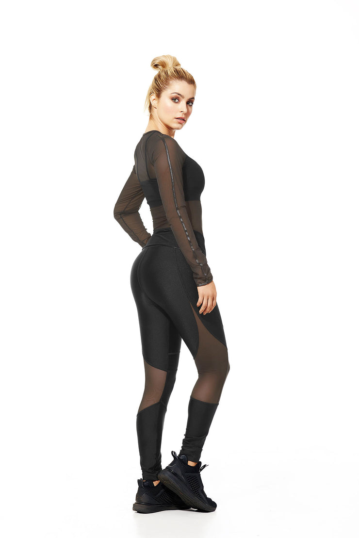 Black mid-rise supplex leggings, mesh design behind the knees and slightly over the calves, by Babalu Fashion sold by ironangelsfashion.com | Leggings supplex negros de media cintura, diseño de malla detrás de las rodillas y ligeramente sobre las pantorrillas