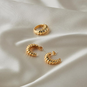 Carla Ring & Earrings Set