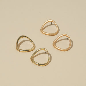 Kinsley Earrings — Matte Gold