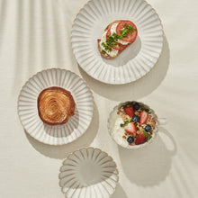 Load image into Gallery viewer, White Sand Scallop Dinnerware Set