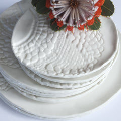 porcelain lace plate – white (dinner plate)