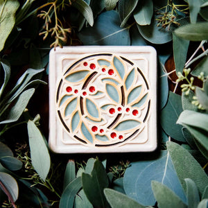 Ceramic Hand-Painted DIA Leaf & Berries