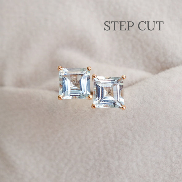 Aquamarine Solitaire Ear Studs in 18K Rose Gold