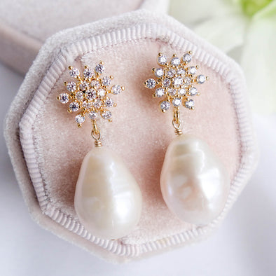 Snow Stud Earrings with Baroque Pearls APE14