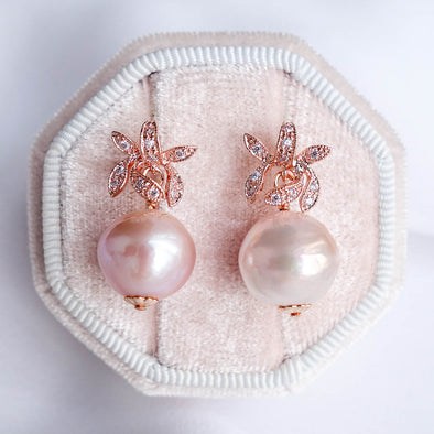 Orchid Stud Earrings with Baroque Pearls APE55
