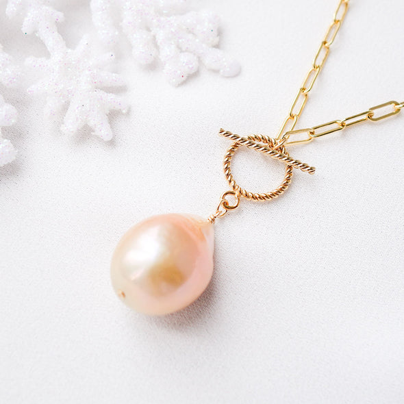 Pearl Necklace with Toggle Clasp D13
