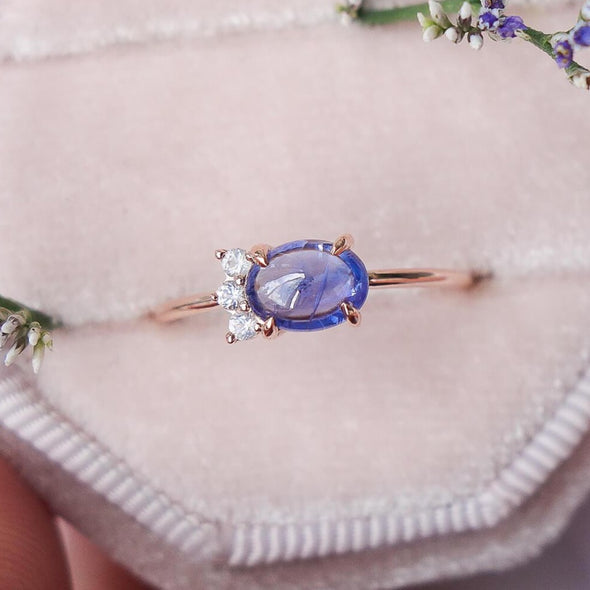 Sapphire Sideswept Cabochon Ring in 14K Rose Gold
