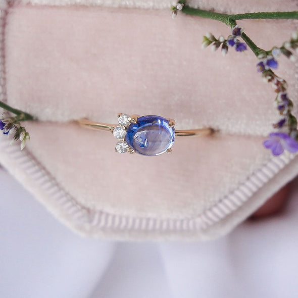 Sapphire Sideswept Cabochon Ring in 14K Yellow Gold