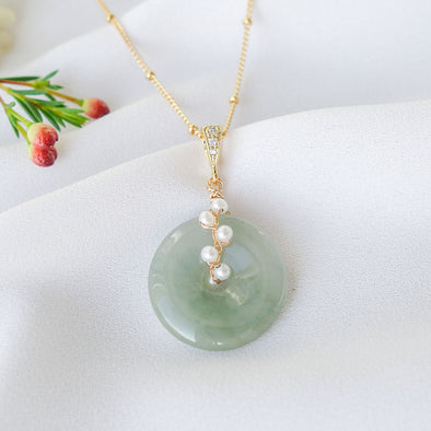 Olive Jade with White Pearl Vine Necklace JN12