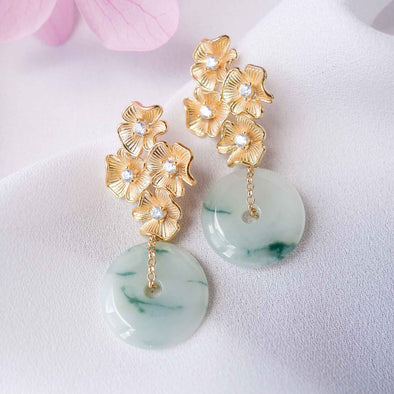 Jade with Four Flower Ear Studs MU10