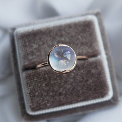 Round Rainbow Moonstone Cabochon Ring - 14K Rose Gold