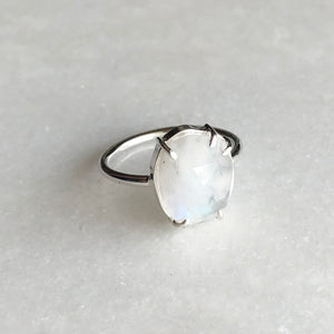 Moonstone Ring // size 7-7.5
